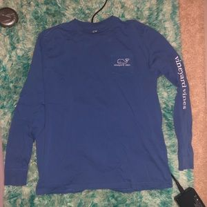 Long sleeve vintage whale graphic tee